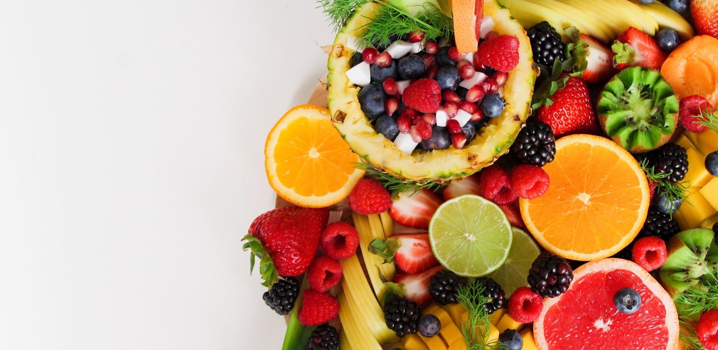 Des fruits exposés sur une table. Crédit photo: www.pexels.com