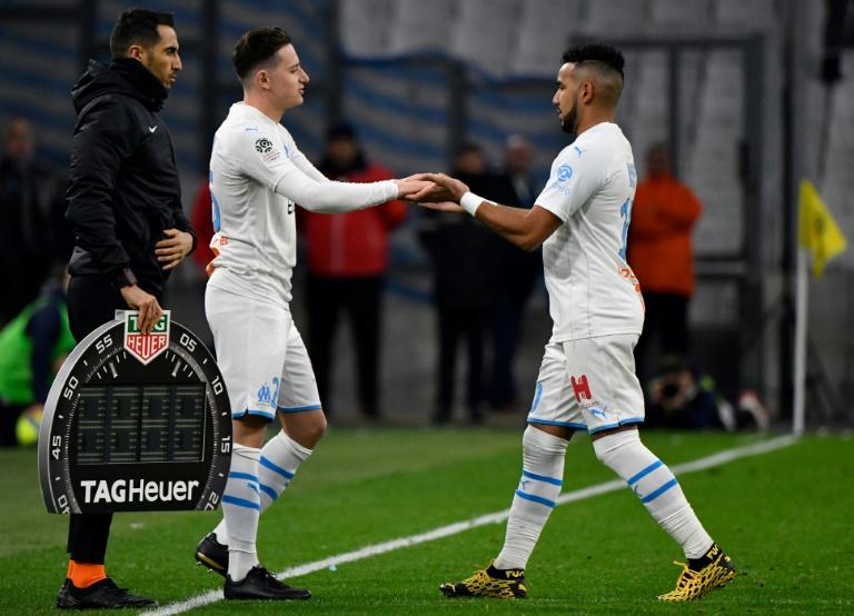 Florian Thauvin remplace Dimitri Payet lors d'un match de l'OM contre Amiens, le 6 mars 2020 à Marseille