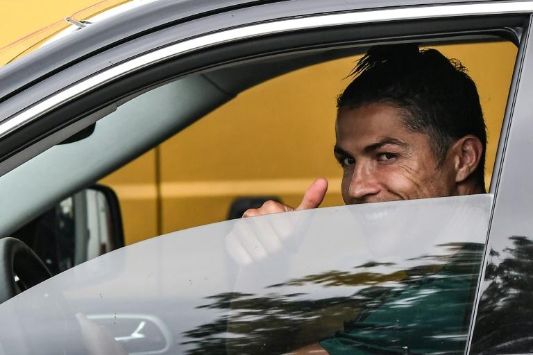 Cristiano Ronaldo arrive au Centre d'entraînement de la Juventus Turin, le 19 mai 2020 à Continassa