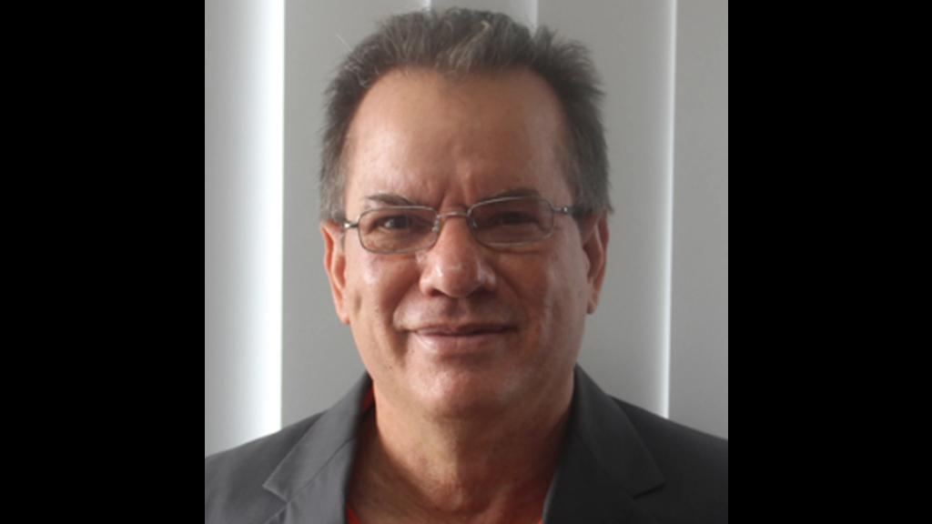 Dr Donnie De Freitas.