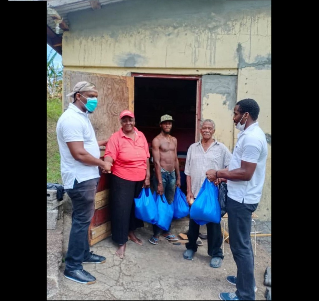 [Royal Grenada Police Force assists family in Mt Parnassus, St George]