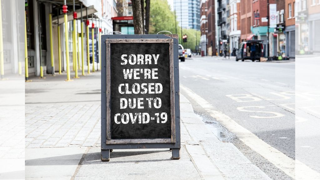 """Sorry we're closed due to COVID-19"" read a sign outside a popular watering hole. (iStock Photo)"