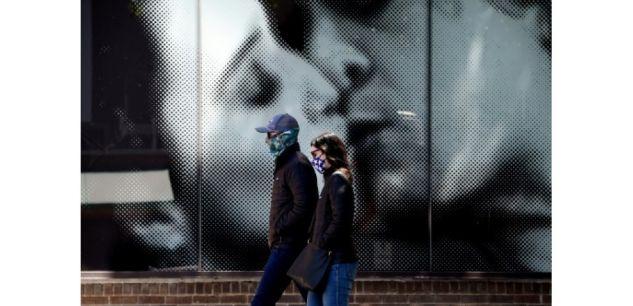 Un couple se promène dans les rues de Washington, le 22 avril 2020 ((c) Afp)