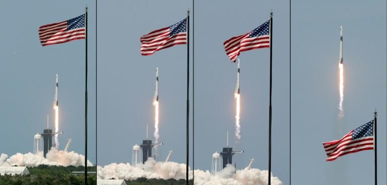Décollage de la fusée SpaceX avec Crew Dragon au sommet, le 30 mai 2020 au centre spatial Kennedy