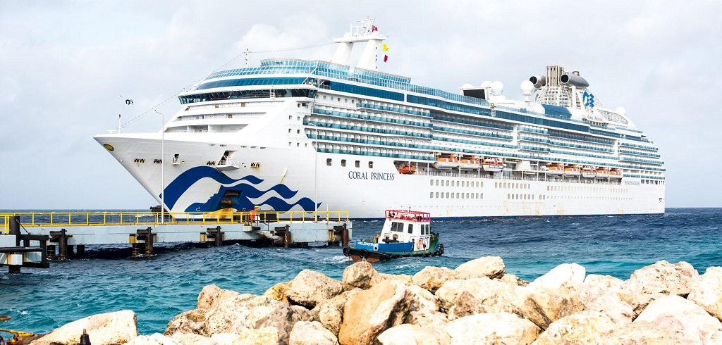 [Photo from Curacao Ports Authority]