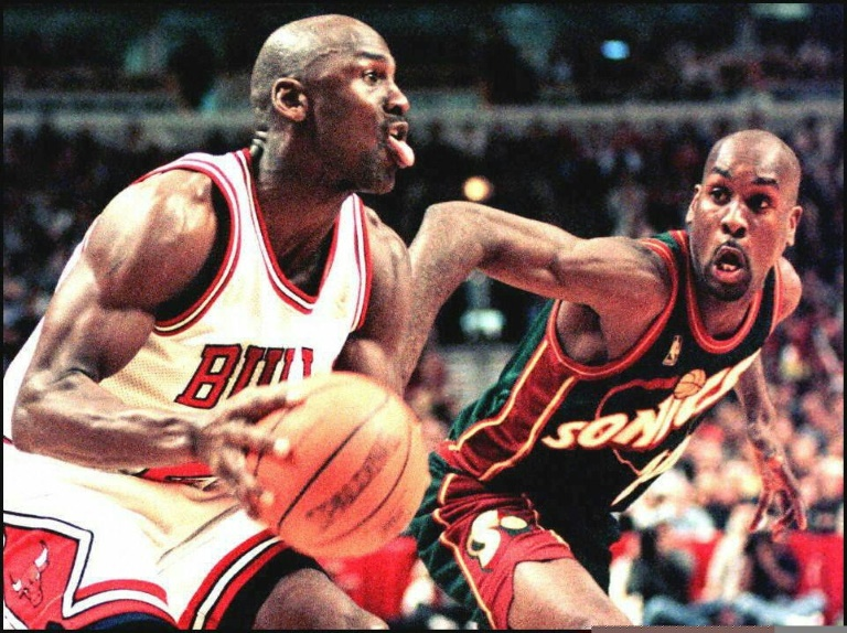 Michael Jordan lors d'un match contre Seattle à Chicago, en mars 1997