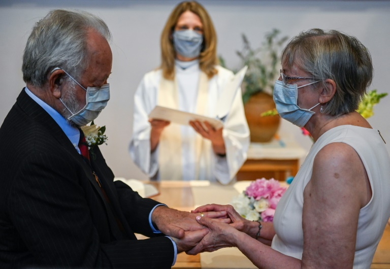 Linda Delk et Ardell Hoveskeland se marient à Alexandria, le 28 mai 2020 en Virginie