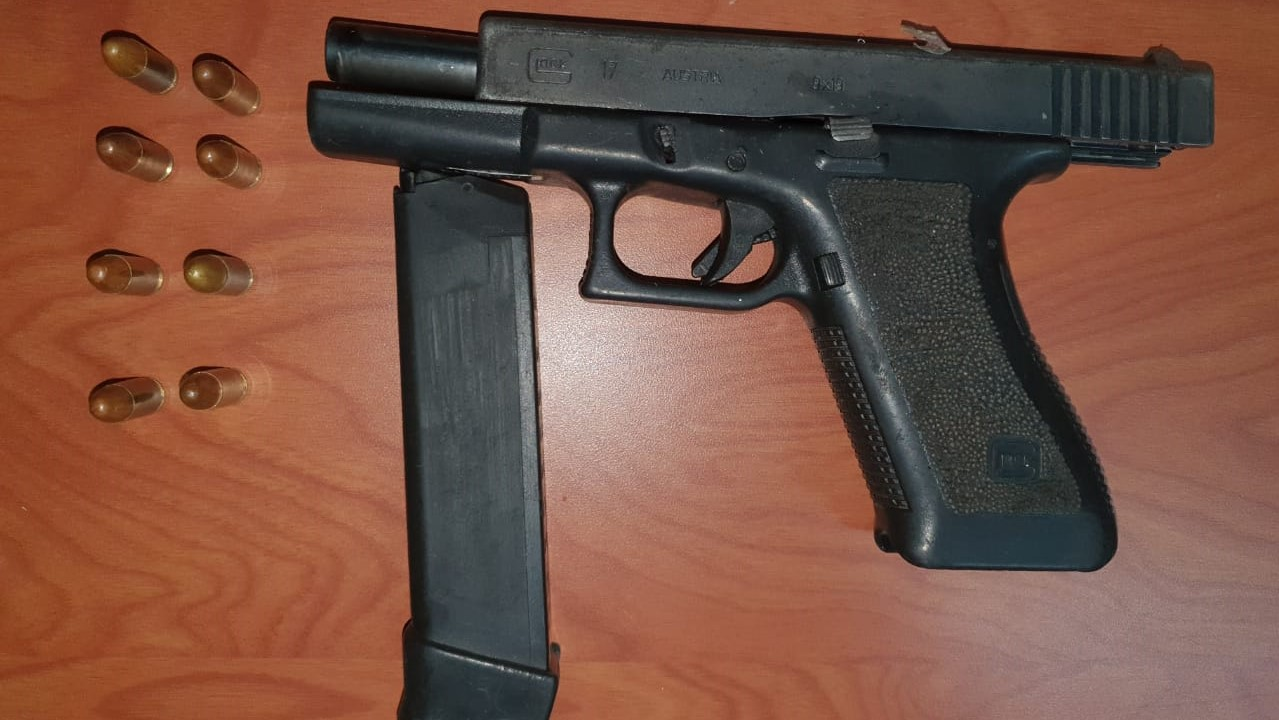 Seized: A Glock 17 pistol loaded with eight rounds of ammunition.