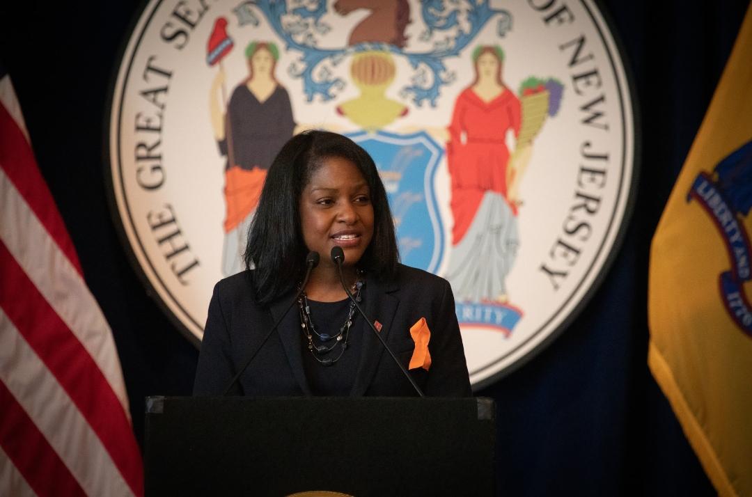 L'Haïtiano-américaine, Fabiana Pierre-Louis, officiellement nommée à la Cour suprême de New Jersey, aux Etats-Unis. Crédit photo : Compte Twitter Gouverneur de New Jersey, Phil Murphy.