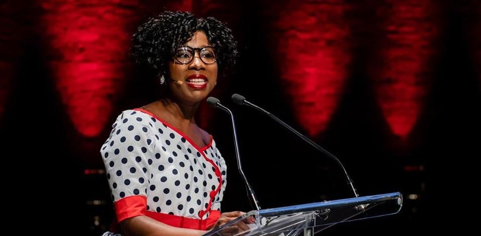 Dorothy Alexandre, cette Haïtienne nommée, à titre de première spécialiste, coordonnatrice externe au secteur inclusion des communautés de Radio Canada. Photo : Page Facebook Dorothy Alexandre.