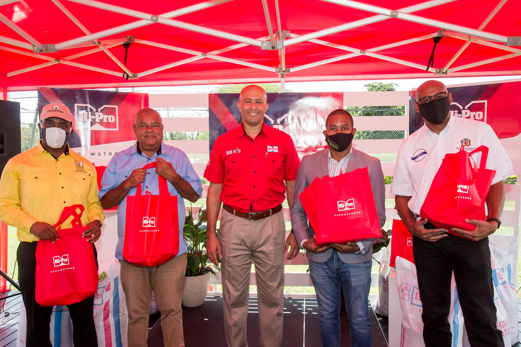 From left: Peter Thompson, Chief Executive Officer at RADA; Lenworth Fulton, President the Jamaica Agricultural Society; Colonel Jaimie Ogilvie, Assistant Vice President, Hi-Pro Division of the Jamaica Broilers Group; Senator Floyd Green, State Minister from MICAF and Michael Pryce, Director of Agricultural Marketing Information, MICAF.  Minister Green was the main speaker at a launch event held at Hi-Pro, White Marl, on Friday.