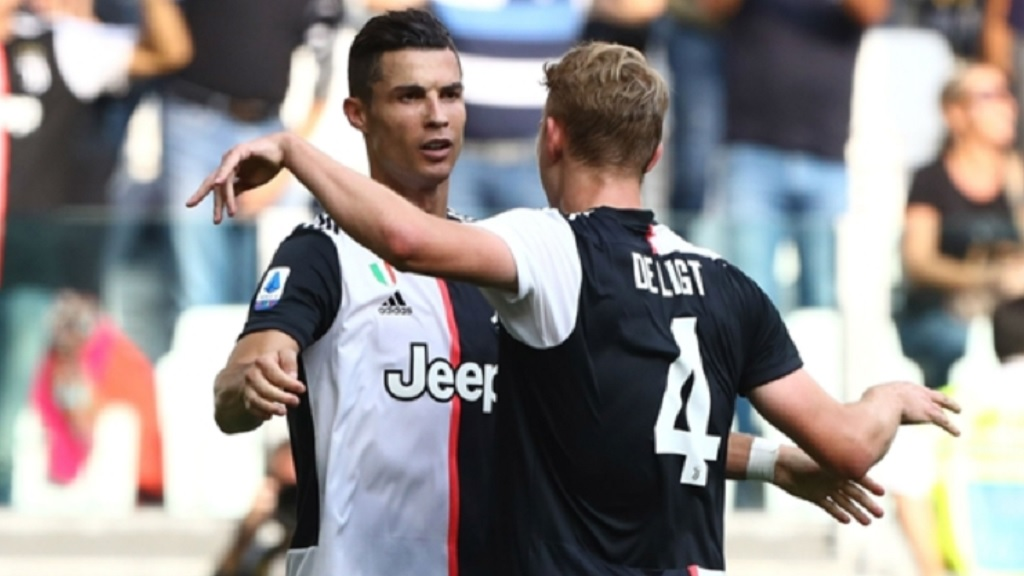 Cristiano Ronaldo (left) and Matthijs de Ligt.