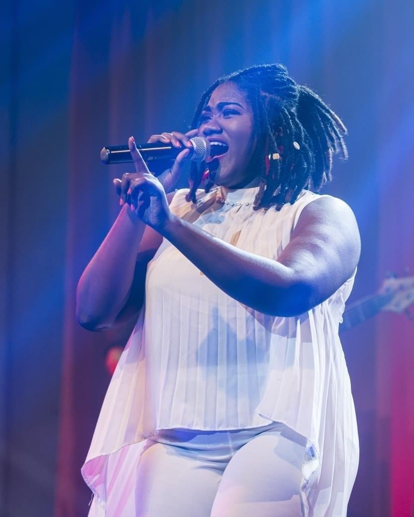 Tamara suffren lors de sa prestation live ce dimanche 7 juin 2020. Crédit photo: FB Tamara Suffren/musique