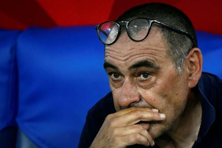 L'entraîneur italien de la Juventus Turin, Maurizio Sarri, dépité après la défaite de son équipe en finale de la Coupe d'Italie face à Naples, à Rome, le 17 juin 2020