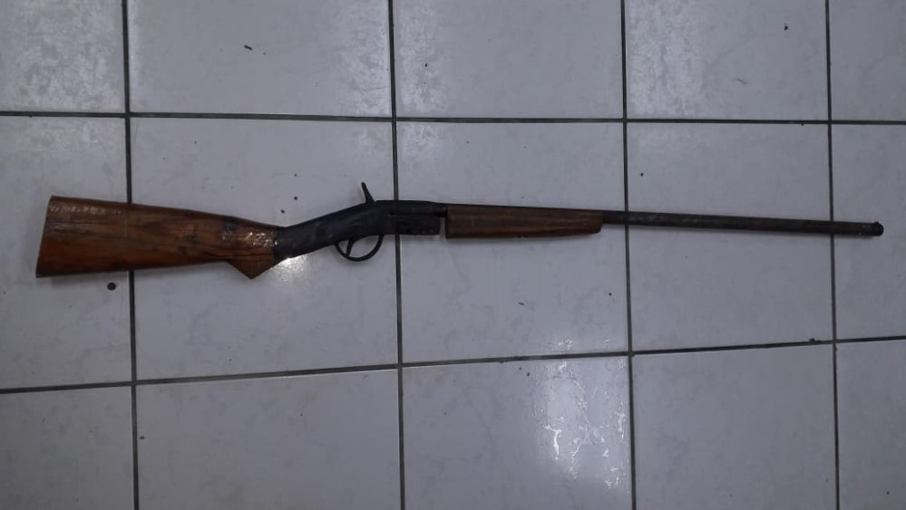 Police seized this shotgun in San Raphael.