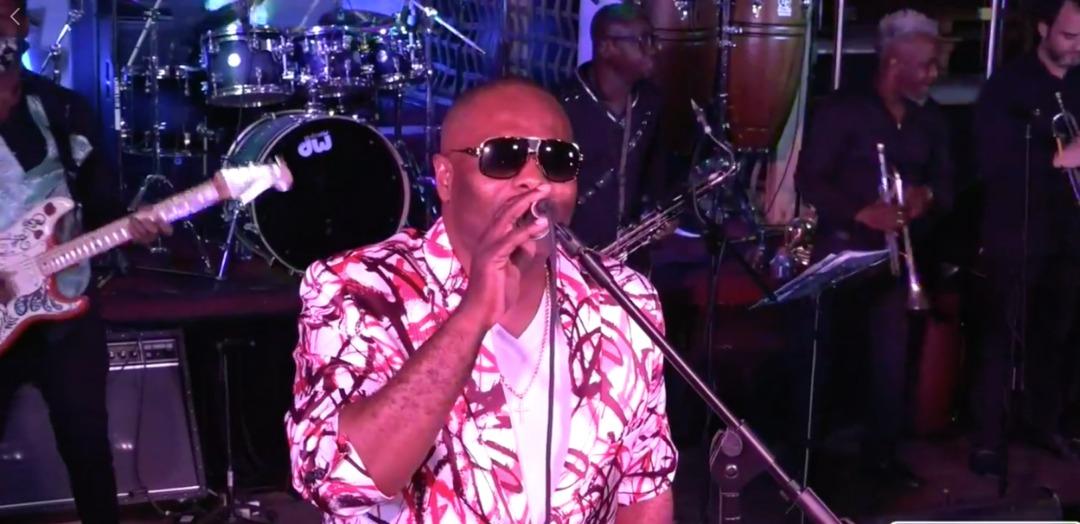 Dély Francois, chanteur et directeur musical de D'zine