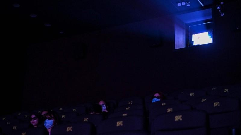 Fermés depuis fin janvier, les cinémas accueillent à nouveau les spectateurs depuis ce lundi, en Chine. (photo AFP)