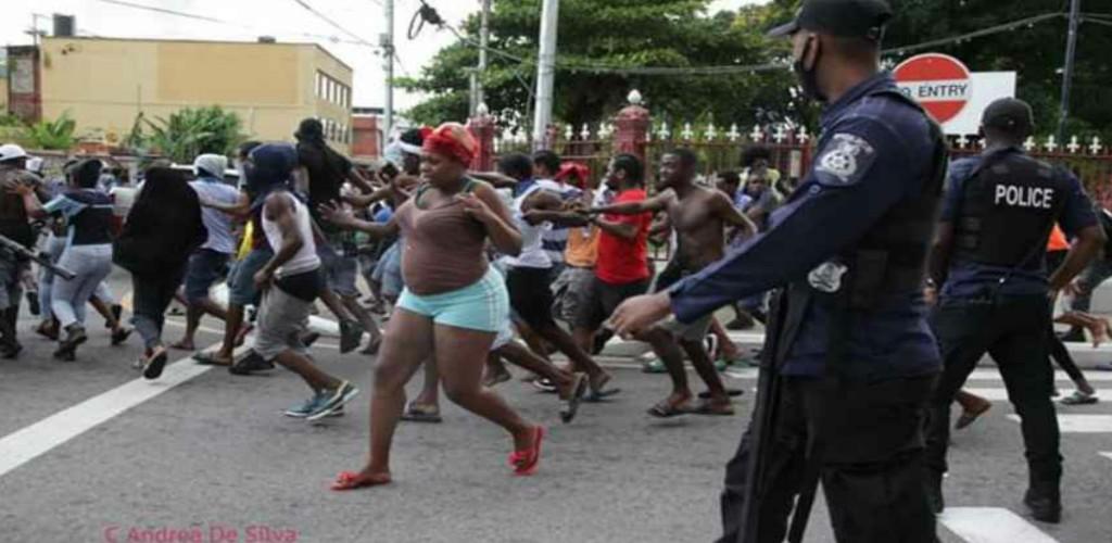 Scenes from protests in the capital city on June 30 (Photo: Andrea De Silva)