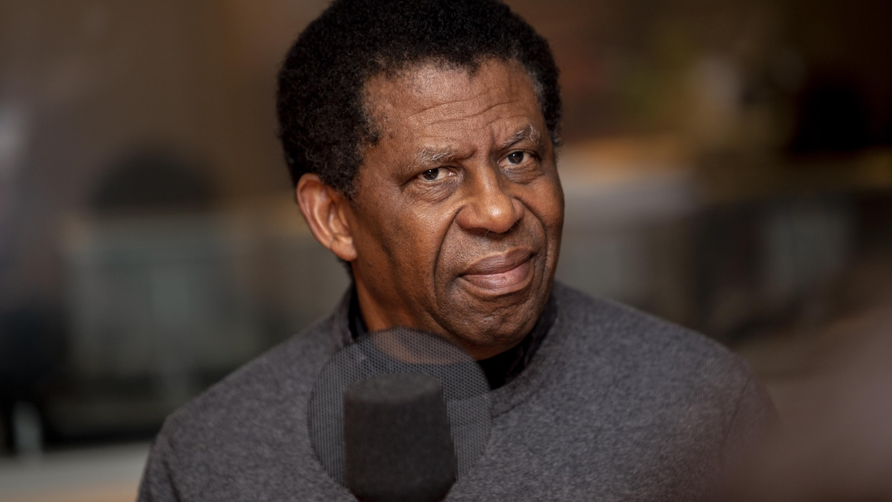 L'écrivain Dany Laferrière. PHOTO : RADIO-CANADA / HAMZA ABOUELOUAFAA
