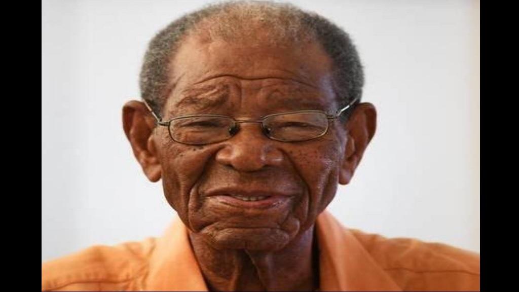 West Indian legend Weekes dies