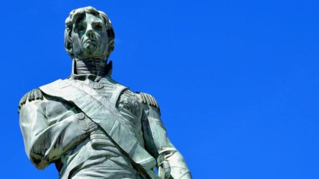 Statue of Nelson / Photo courtesy GIS