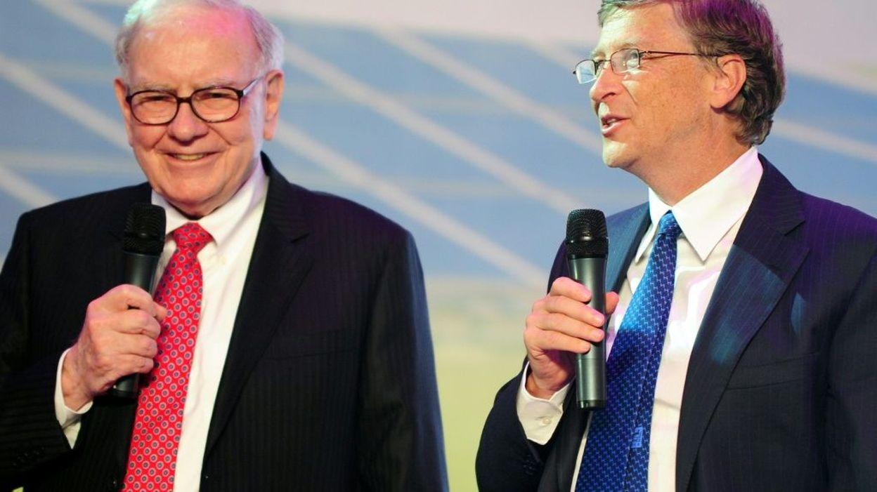 Warren Buffet et Bill Gates, le 29 septembre 2010 à Pékin afp.com - FREDERIC J. BROWN