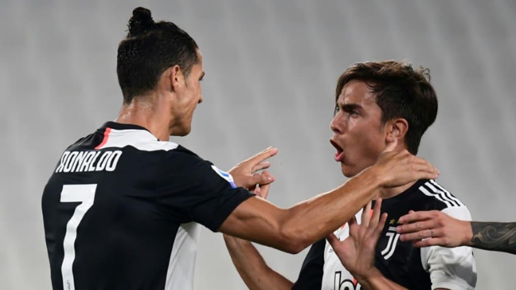 Les attaquants vedettes de la Juventus Paulo Dybala et Cristiano Ronaldo lors du match contre Lecce à Turin, le 26 juillet 2020 © AFP/Archives