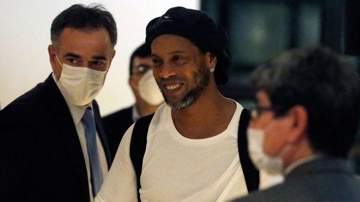 Fin du calvaire pour Ronaldinho.  Crédit: Twitter