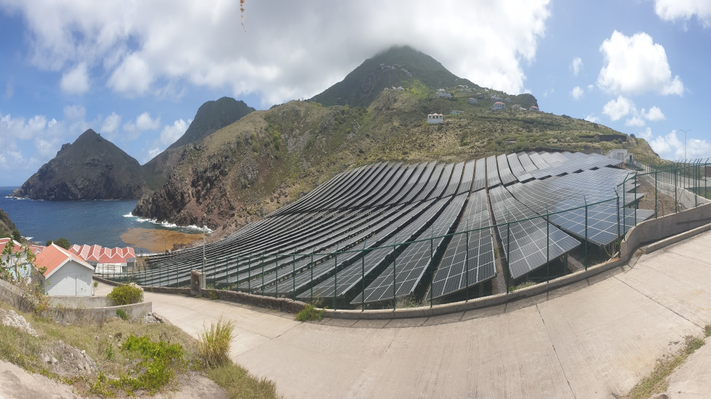 Saba already has two solar parks, both located at the airport which largely contribute to the local production of electricity. Photo: Public Entity Saba.