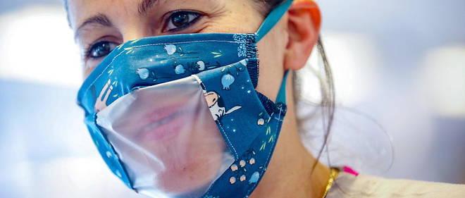 Le masque transparent représente une avancée pour les sourds (photo d'illustration). © BRUNO FAHY / Belga / AFP
