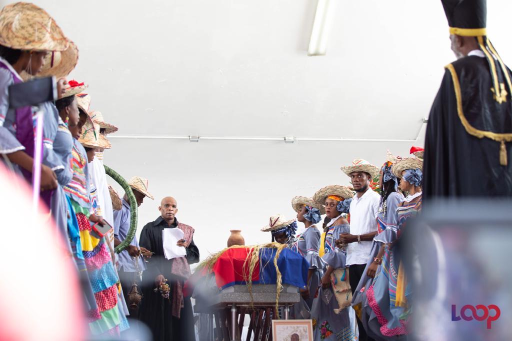 La dépouille d'Anthony Pascal dit Konpè Filo exposées sur le Champs-de-Mars, à Port-au-Prince, le 18 août 2020/ Photo: Steven Aristil