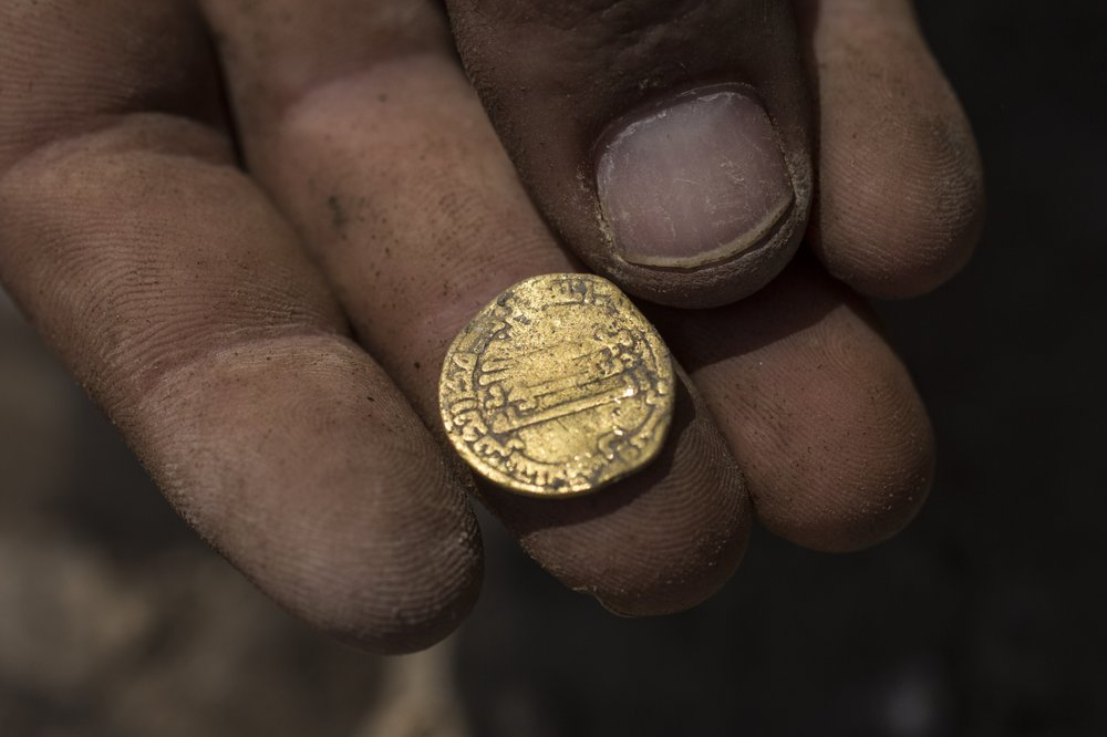 This discovery was among the largest caches of ancient coins found in Israel. (AP photo)
