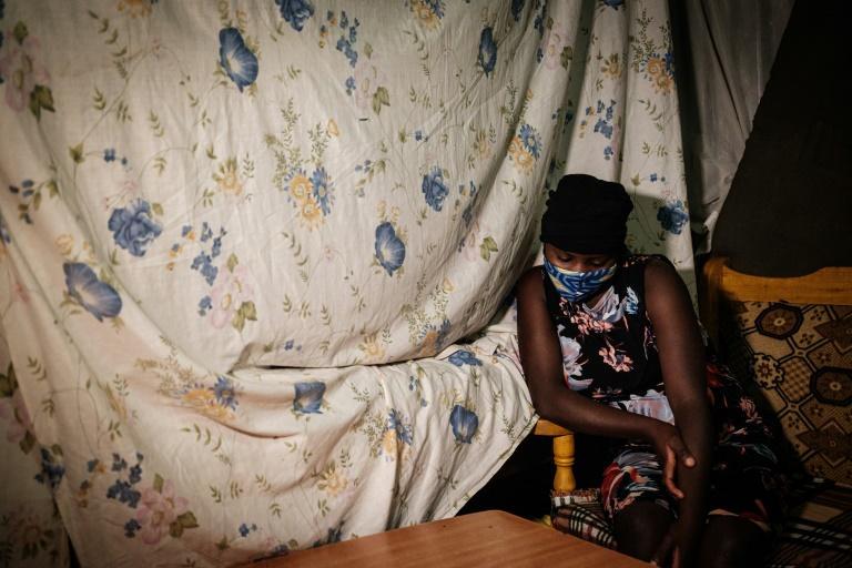 Linnet, jeune fille pauvre de 16 ans tombée enceinte pendant l'épidémie de coronavirus, à Nairobi le 15 juillet 2020 Yasuyoshi CHIBA AFP