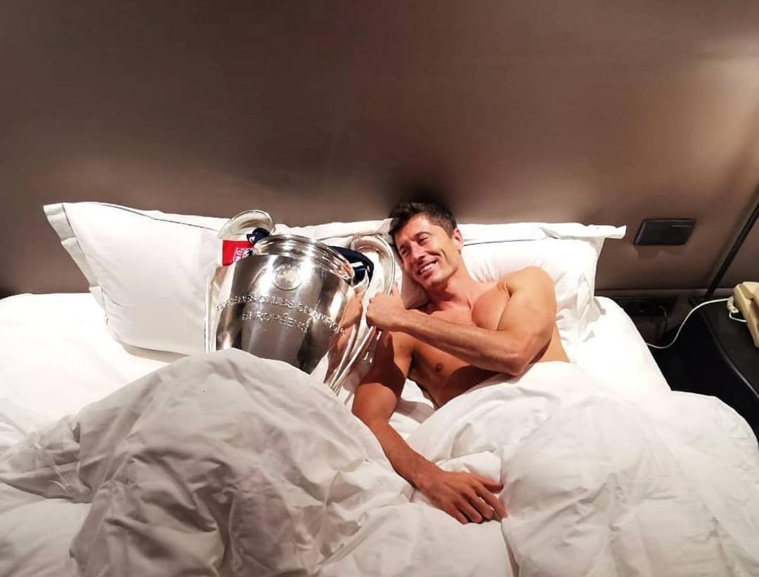 Comment Lewandowski s'est réveillé ce matin/ Photo: Instagram: @_rl9