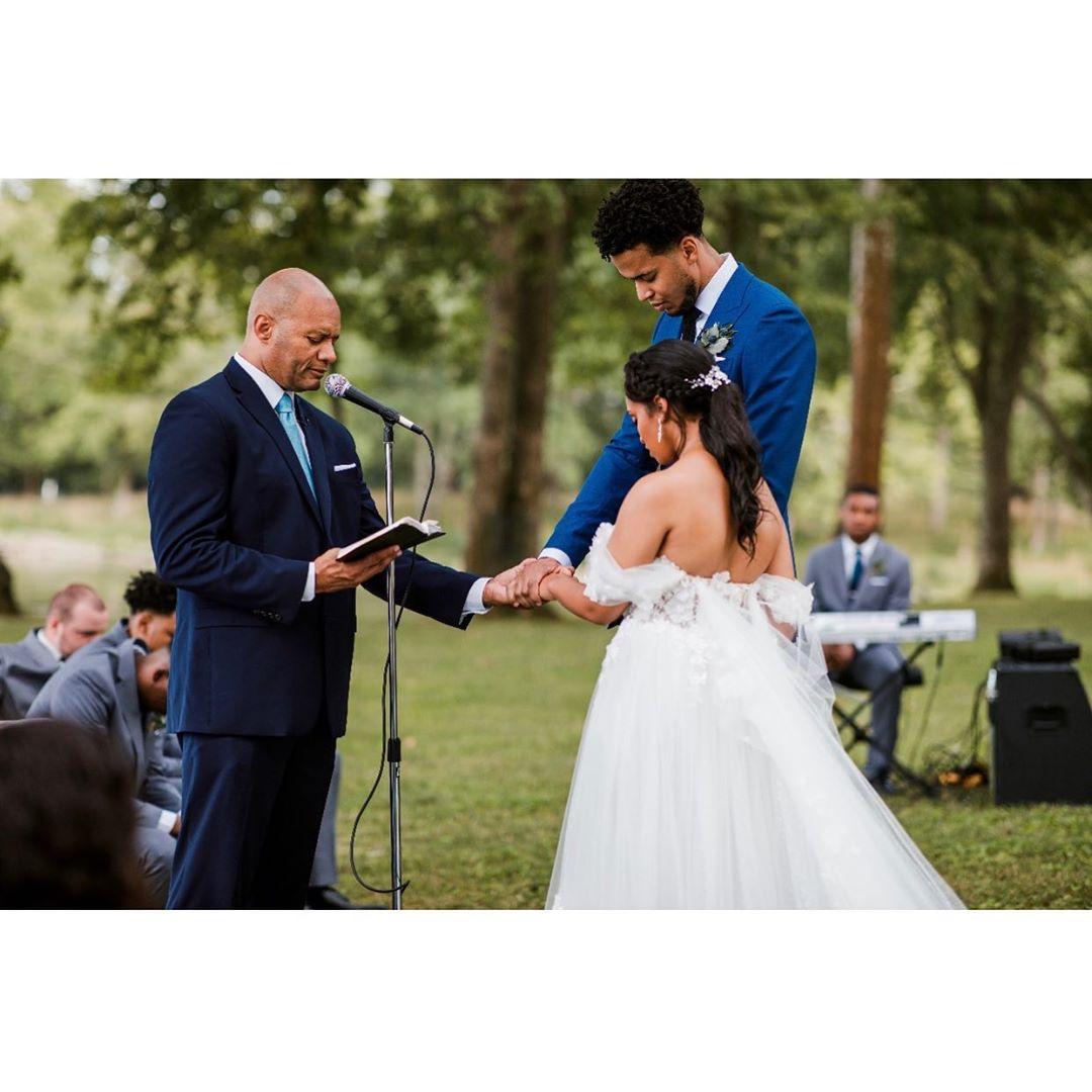 Les Labissière à leur cérémonie de mariage. Photo: Instagram Skal Labissière