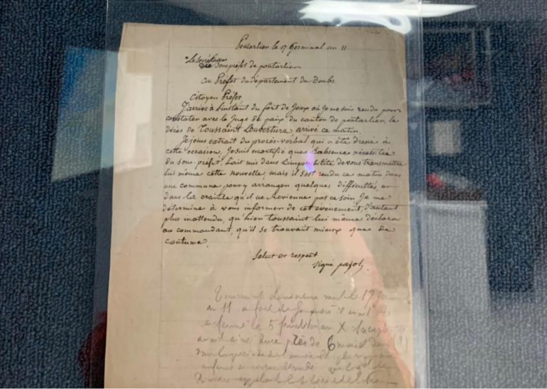 Copie du rapport d'autopsie de Toussaint Louverture reçue au Musée du Panthéon National Haïtien (MUPANAH) en août 2019/ Photo: Emmelie Prophète, directrice a.i. de l'institution