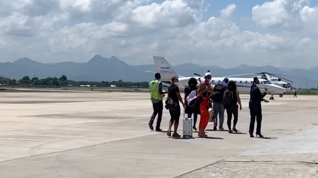 Naomi Osaka à l'Aéroport International du Cap-Haïtien, vendredi 25 septembre 2020/ Capture d'écran: Luckenson Jean/LoopHaïti