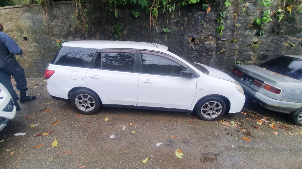 Photo: A vehicle that was stolen last Wednesday in Gasparillo, was recovered Saturday afternoon in Maraval with false number plates. Credit: Loop News.