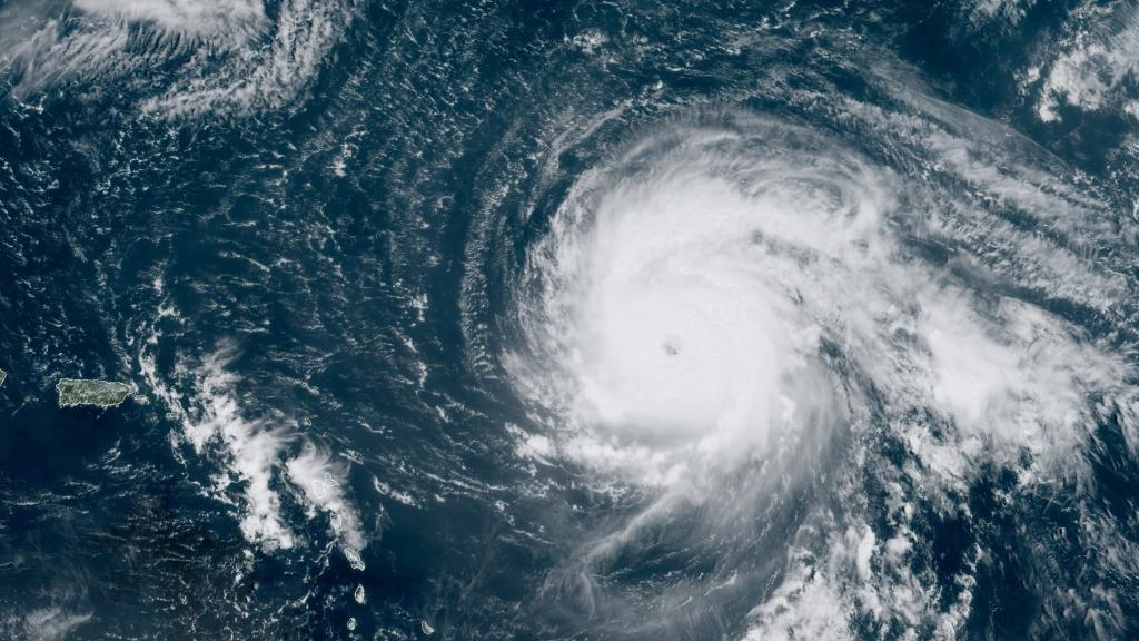 Photo National Hurricane Centre.