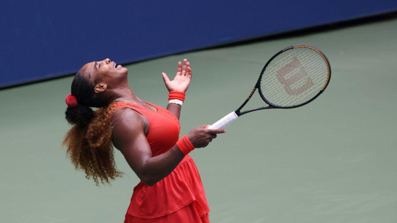 L'Américaine Serena Williams exulte après sa victoire sur la Bulgare Tsvetana Pironkova en quart de finale de l'US Open, à New York, le 9 septembre 2020 (AL BELLO)