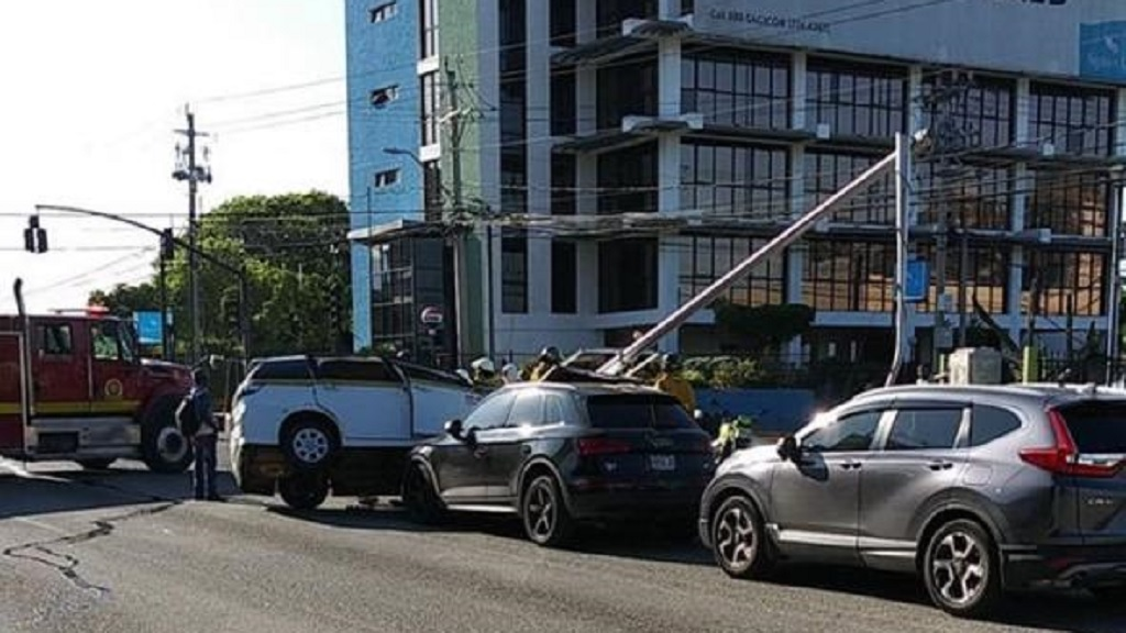 A photo showing the aftermath of the mult-vehicle collision on Trafalgar Road that ignited a fire on a power line.