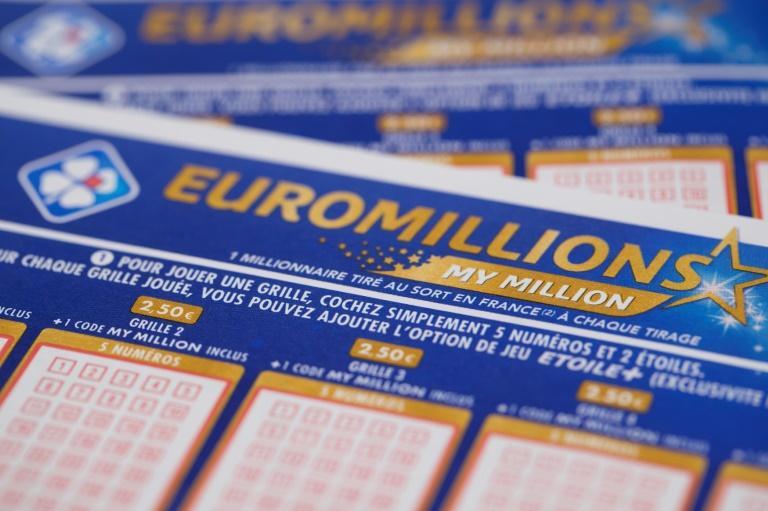 """Un heureux présage ? Un couple de quadragénaires qui a joué à Sélestat (Bas-Rhin) a remporté le jackpot de 157 millions d'euros à l'Euro Millions le 1er septembre, après avoir """"regardé un film évoquant Cendrillon"""" afp.com - JOEL SAGET"""
