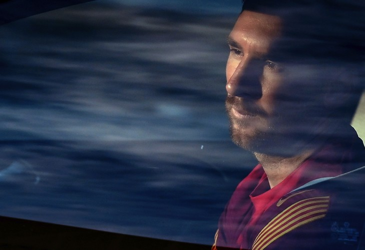 Lionel Messi lors de son arrivée au centre d'entraînement du FC Barcelone, le 8 septembre 2020 LLUIS GENE AFP/Archives