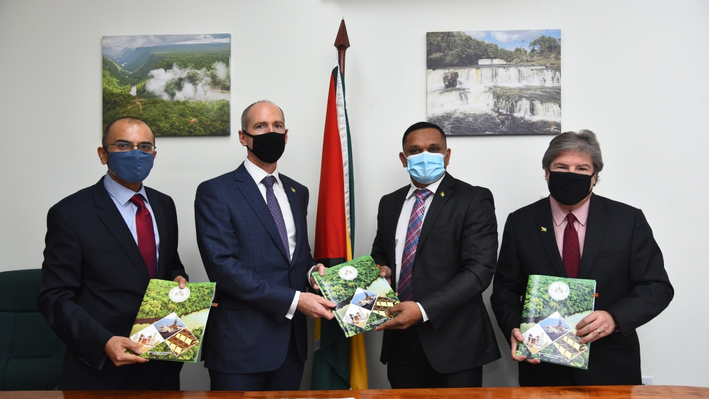 ExxonMobil executives and representatives of the Government of Guyana following the signing of the  Payara contracts. (Photo: The Ministry of Natural Resources)
