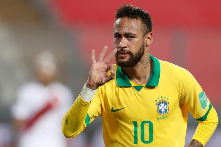 Le Brésilien Neymar célèbre son triplé face au Pérou, le 13 octobre 2020 à Lima Paolo AGUILAR POOL/AFP
