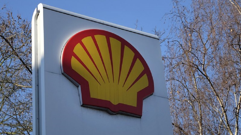 FILE - This Wednesday, Jan. 20, 2016 file photo, shows the Shell logo at a petrol station in London. Royal Dutch Shell said Wednesday Sept. 30, 2020, it is planning to cut between 7,000 and 9,000 jobs worldwide by the end of 2022 following a collapse in demand for oil and a subsequent slide in oil prices during the coronavirus pandemic. (AP Photo/Kirsty Wigglesworth, File).