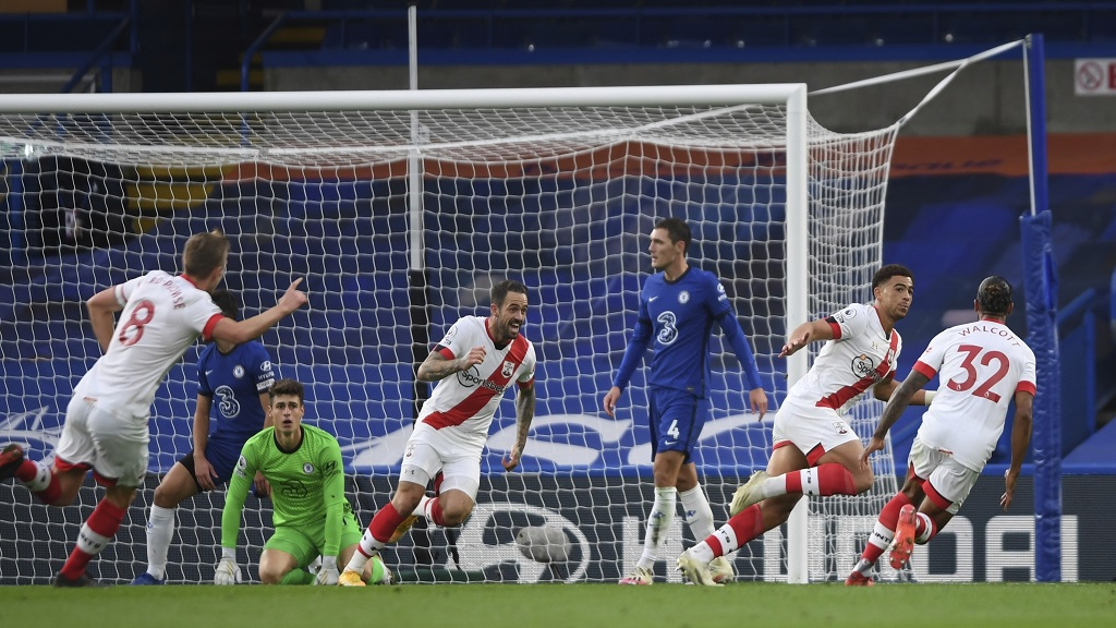 Southampton's Che Adams, second right, celebrates after scoring his side's second goal during the English Premier League football match against Chelsea at the Stamford Bridge in London, England, Saturday, Oct. 17, 2020.(Mike Hewitt/Pool via AP).