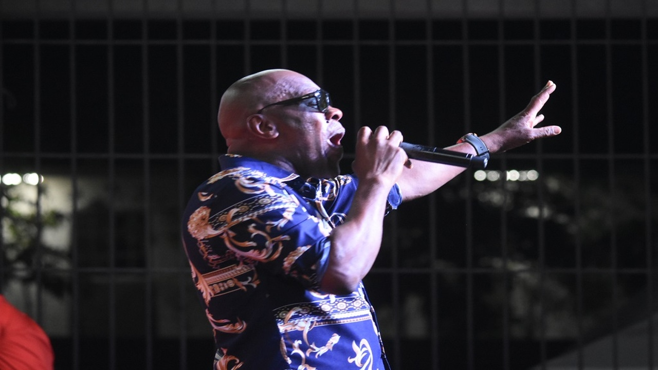 George Nooks performing on stage. (Photo: File)