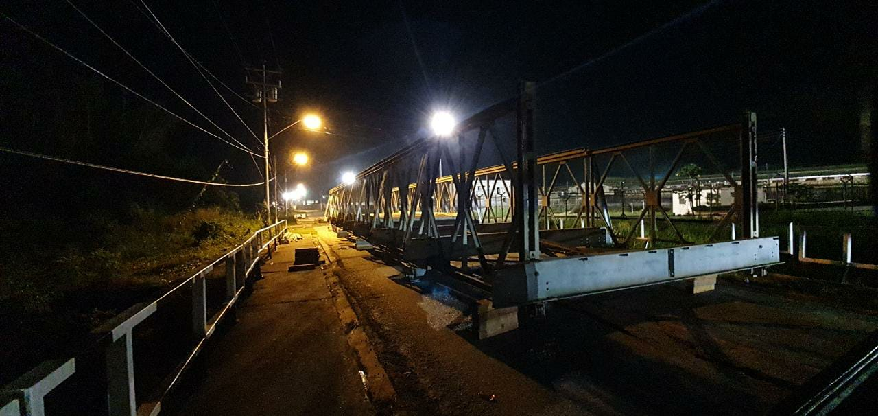 Part of the bailey bridge installed to help motorists along the Golden Grove Road. (via MOWT)