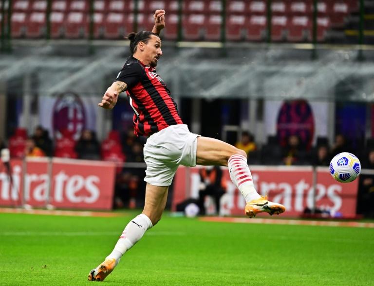 L'attaquant suédois de l'AC Milan, Zlatan Ibrahimovic, auteur d'un doublé lors du match de Serie A face à l'AS Rome, à Milan, le 26 octobre 2020